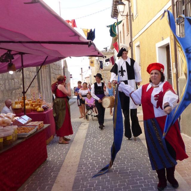 Mercados medievales   Pasacalles